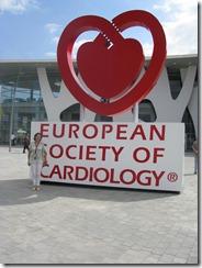 заведующая кафедрой внутренних болезней №2, д.м.н., профессор Айдаргалиева Н.Е на очередном Европейском конгрессе кардиологов в Барселоне (2009 г.)